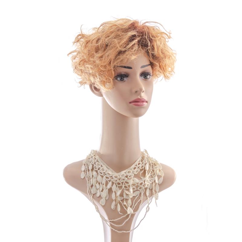 Shaggy layered bob wig